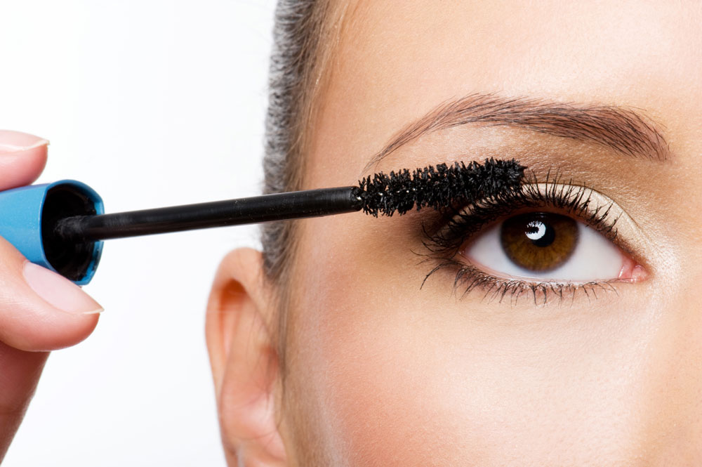 Apply Mascara like a Pro