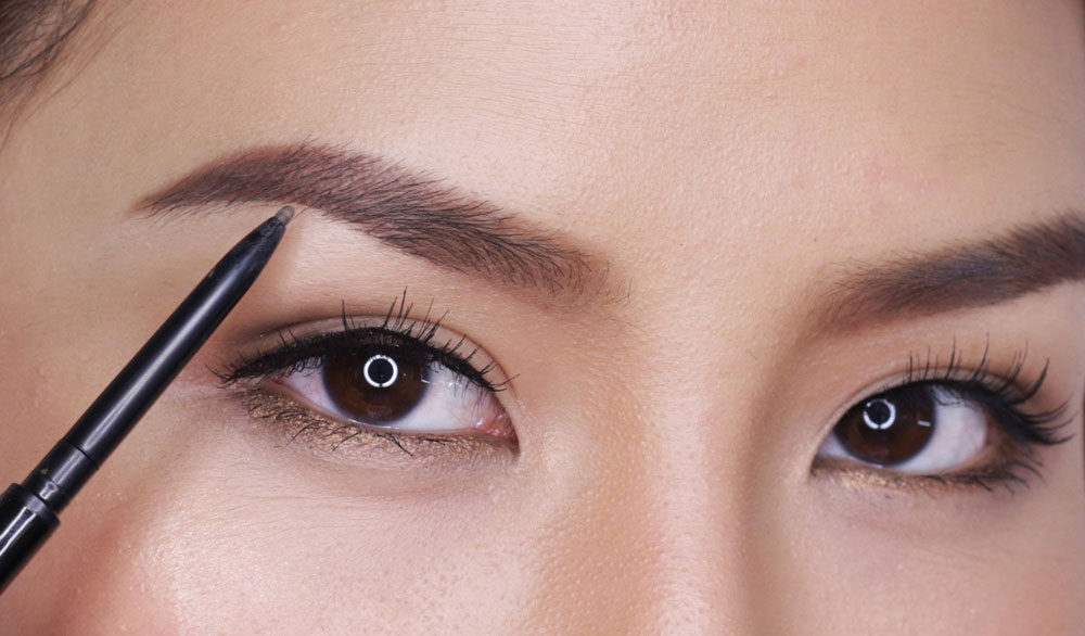 Eyebrows with Pencil