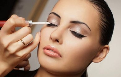 Tips to Make Last Long Makeup for Greasy Skin